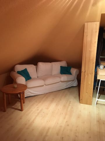 komfortables Zimmer, ideal für Messegäste