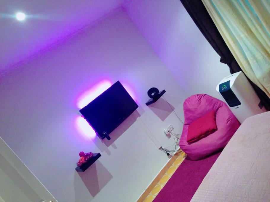 Violet tv