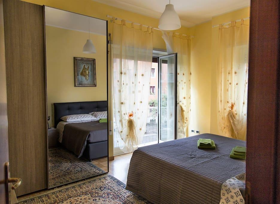 Camera da letto vista strada