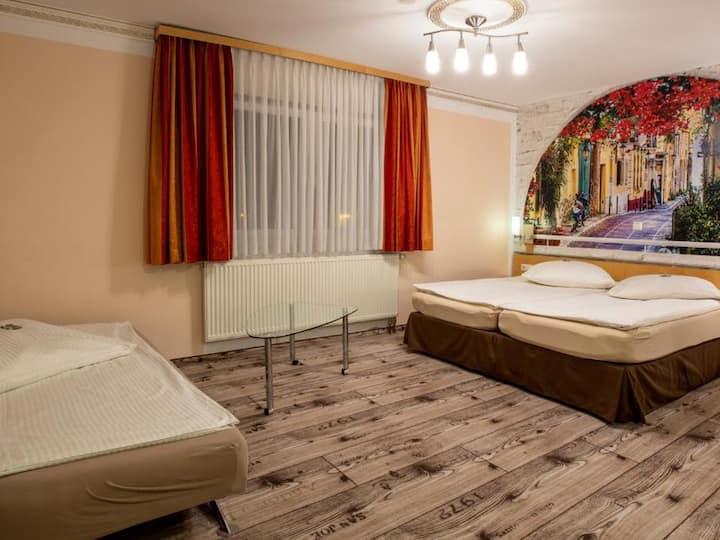 Hotel Restaurant Meteora, (Tübingen), Dreibettzimmer Standard