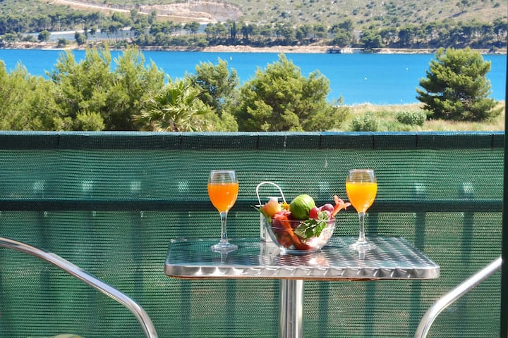 KLEPO 3 sea view apartment, only 150m from a beach