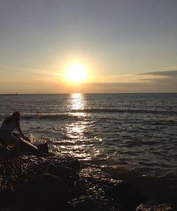 GOTL Lakefront Condo - Perfect Lake Erie Getaway - Genf