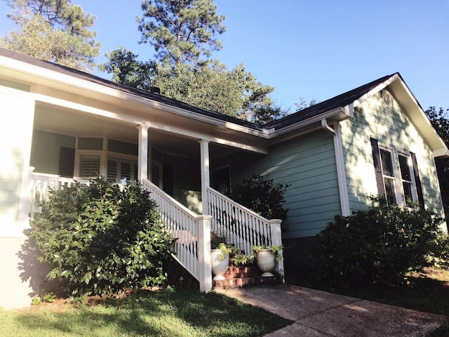 Family Friendly Home, Nice Patio, Close to Campus!