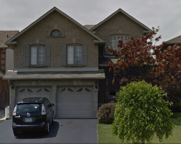 Executive Family Home near GTA