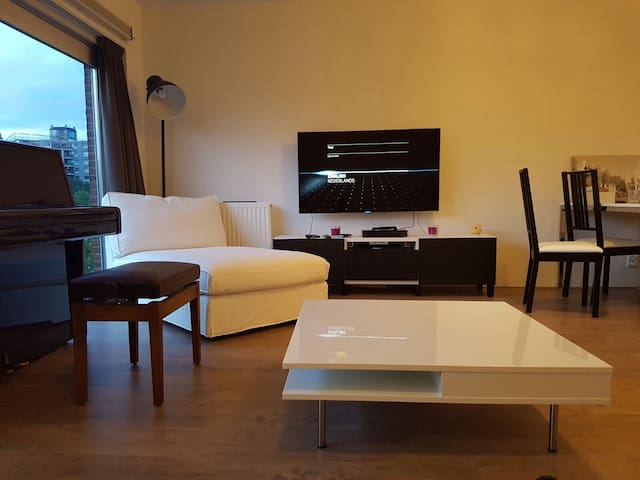 Exclusive luxury apartment with facilities - Amsterdam-Zuidoost - Lejlighed
