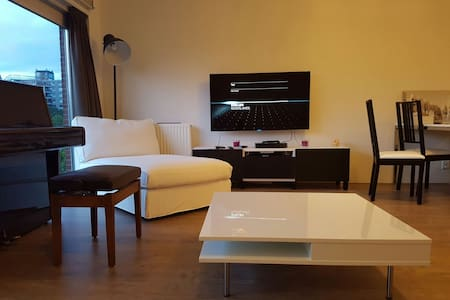 Exclusive luxury apartment with facilities - Amsterdam-Zuidoost