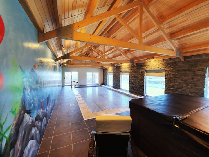 Bayview Exclusive with Deluxe Heated Pool & Hottub