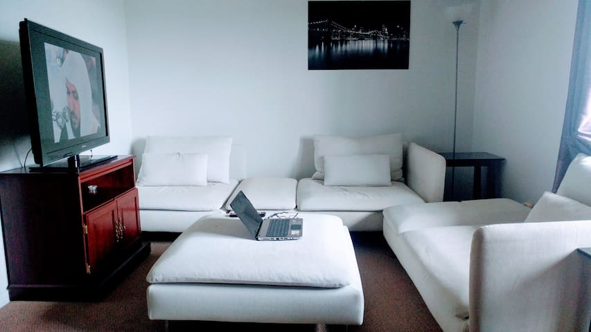 Clean private room,an amazing very clean apartment