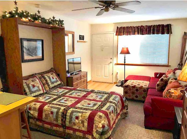 *Great Reviews* Hunter Mtn Clean/Cozy Studio Condo