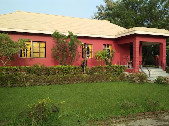 Hermitage-Charming cottage in Prantik Santiniketan