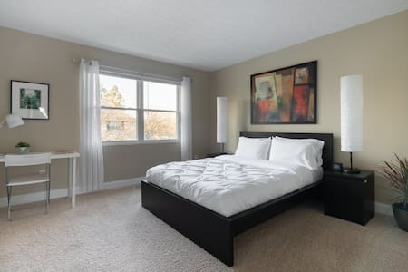 FANTASTIC 3BR TOWNHOUSE (Long term available)