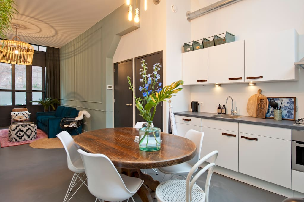 New city centre apartment popular jordaan area for Appartamenti in centro amsterdam