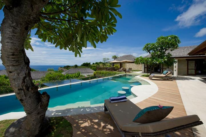 Nusa Dua Ocean View 6 Bedroom Villa - South Kuta - Villa