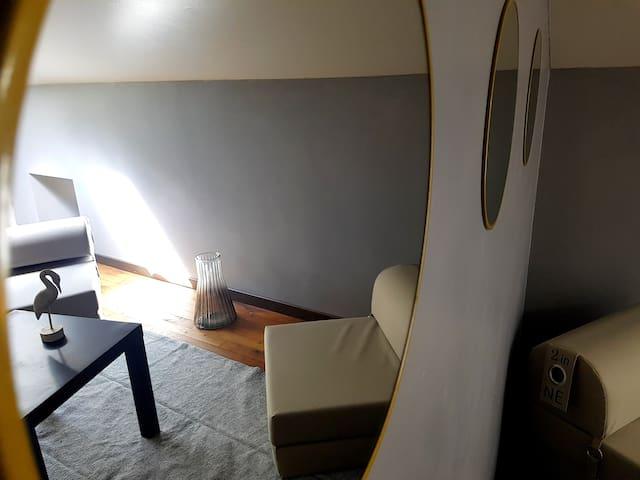 Chambre 1 avec petit salon