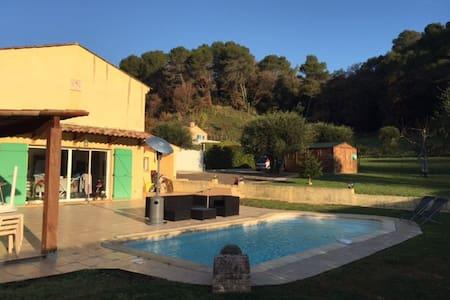 Chambres dans maison avec piscine - Villeneuve-Loubet