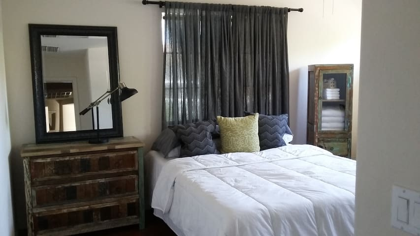 2 Nice Bedrooms next to Goodyear Ball Park