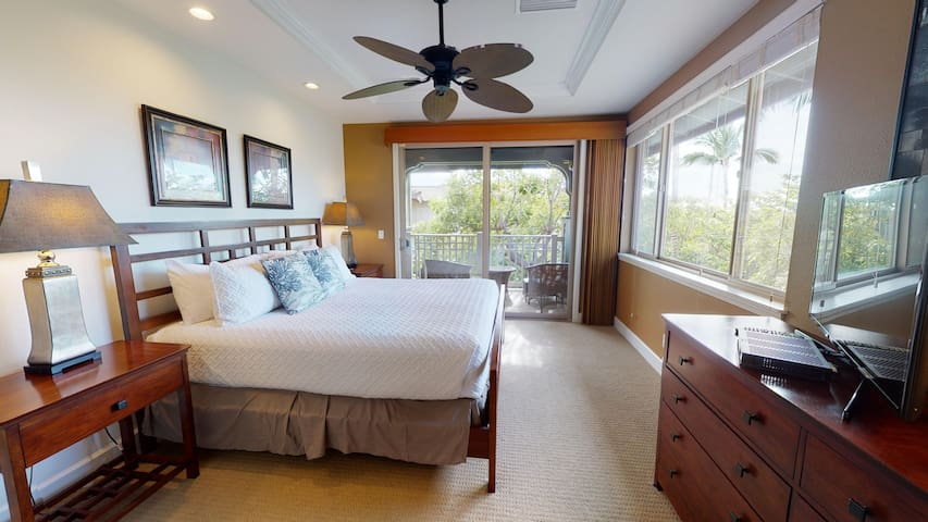 Master #1, King with private lanai and master ensuite