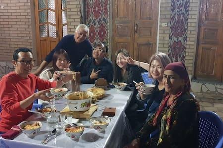 Umarxon guesthouse -   new year with uzbek family!