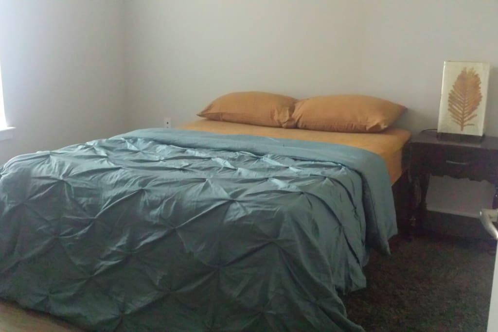 Elegant ,Clean & Cozy Bedroom