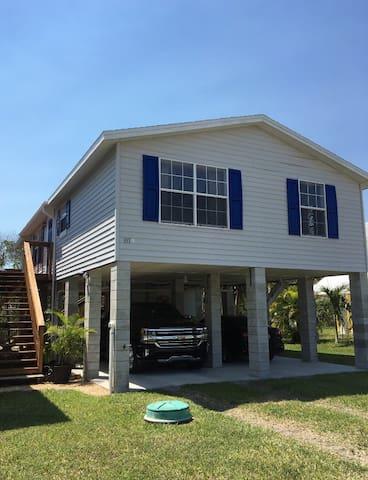 Everglades City, coastal getaway,  (2/2)