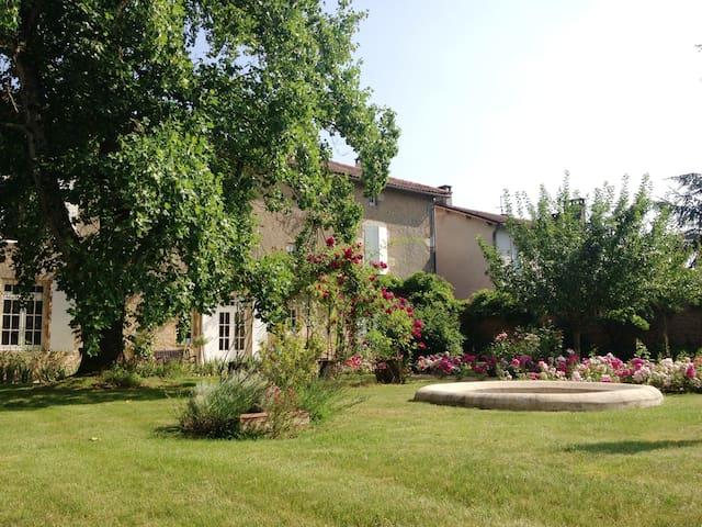 5* Romantic residence XVIIIth - Pressac