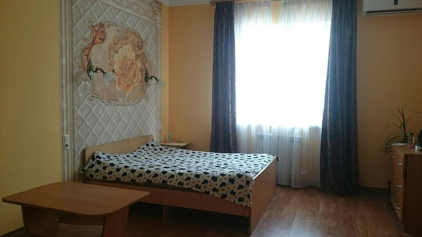 Квартира в тихом, уютном уголке Толстого мыса.
