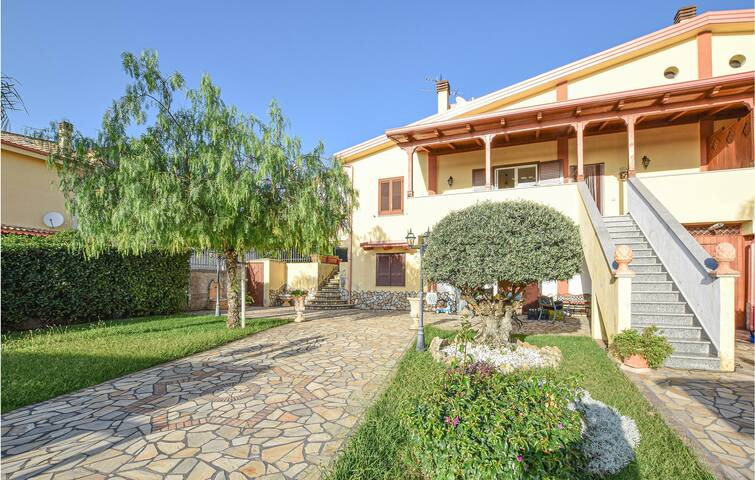 Semi-Detached with 4 bedrooms on 200m² in Praia a Mare