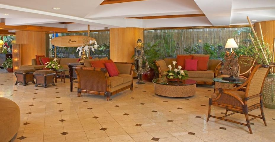Boutique Bamboo Hotel - Oasis In Waikiki