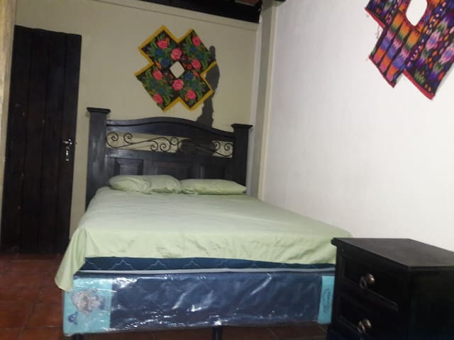 Hostal Los Amigos - Antigua Guatemala - Apartamento