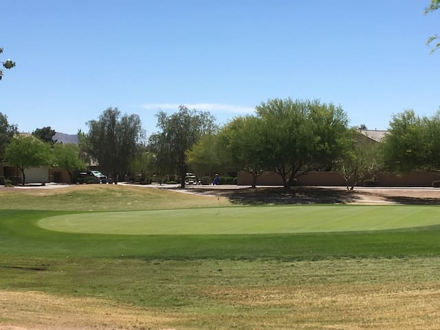 Newer on golf course home,furnished - Queen Creek - 一軒家