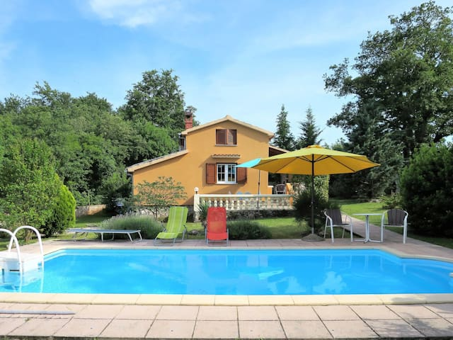 Holiday house Lavanda with pool, in relaxing and peaceful setting