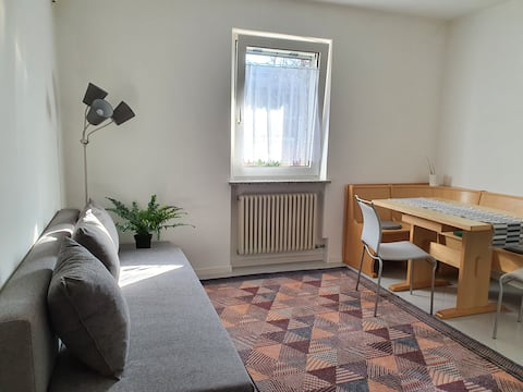 NEW comfortable apartment on cycle path + parking