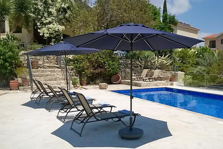 Spacious Villa Meraki with Private Pool
