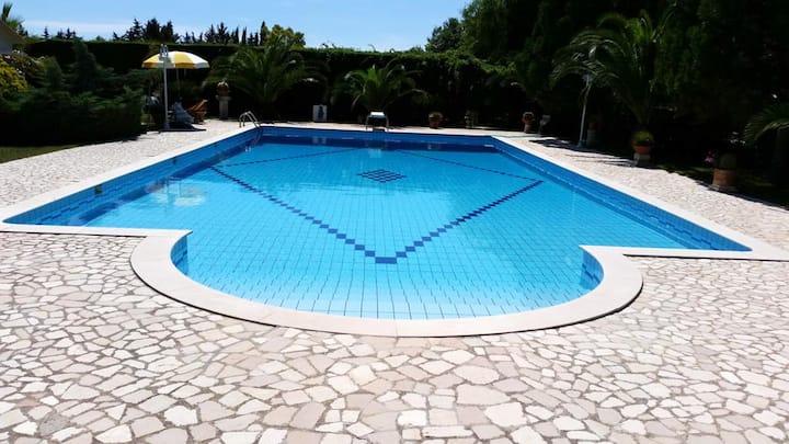 Estudio en Muro Leccese, con piscina compartida y WiFi