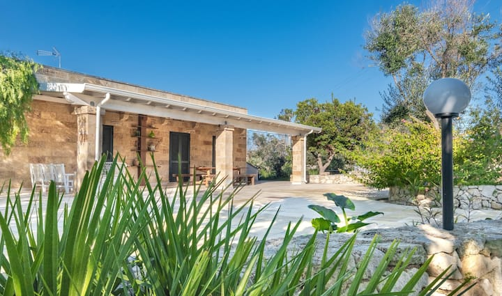 """Holiday Home """"Villa Marzoni Salento"""" with Pool, Terrace & WiFi; Parking Available, Pets Allowed"""