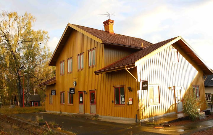 Historic Station House 15min to A.L.World Vimmerby