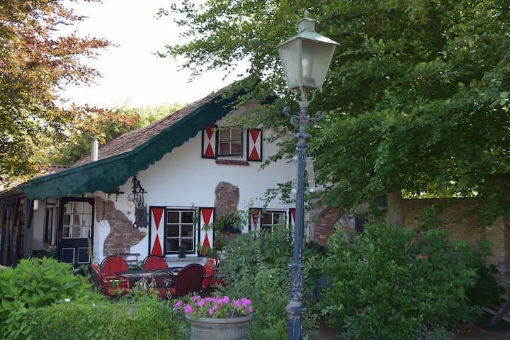 cottage near Keukenhof & Amsterdam incl 6 bikes