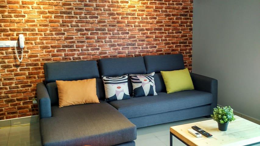 PJ, Spacious Modern 3BR HighSpeed Fibre Internet - Petaling Jaya - Apartamento