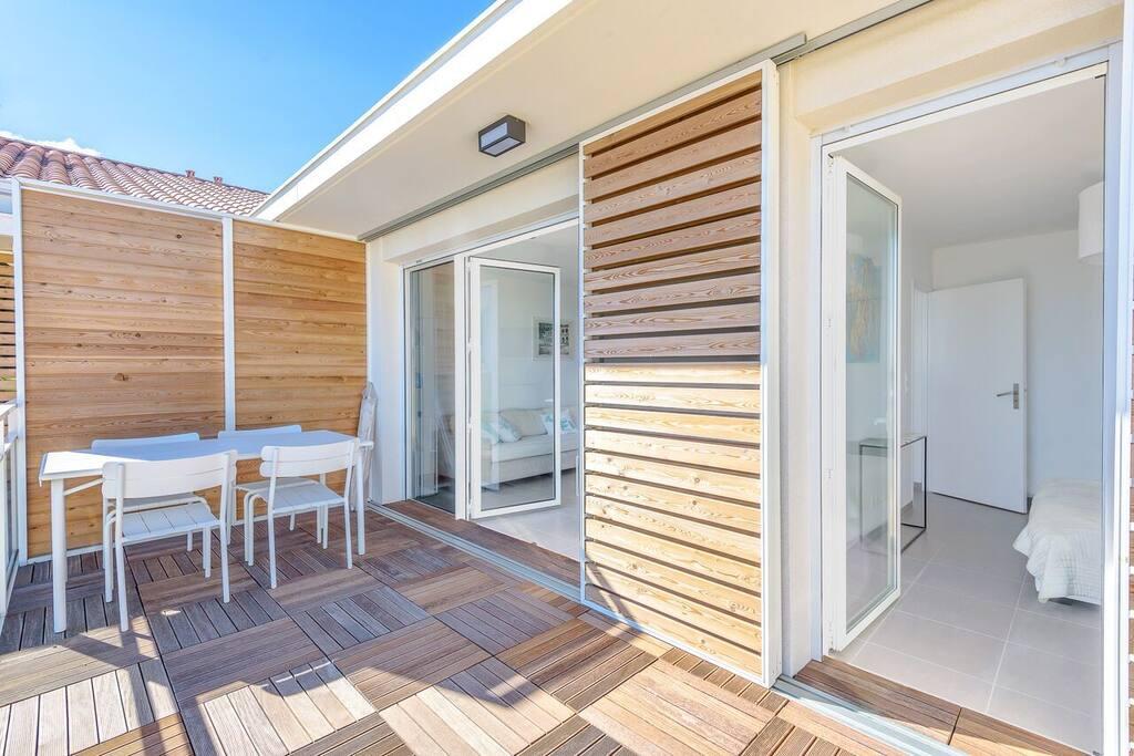bel appartement neuf premi re ligne appartements louer palavas les flots languedoc. Black Bedroom Furniture Sets. Home Design Ideas