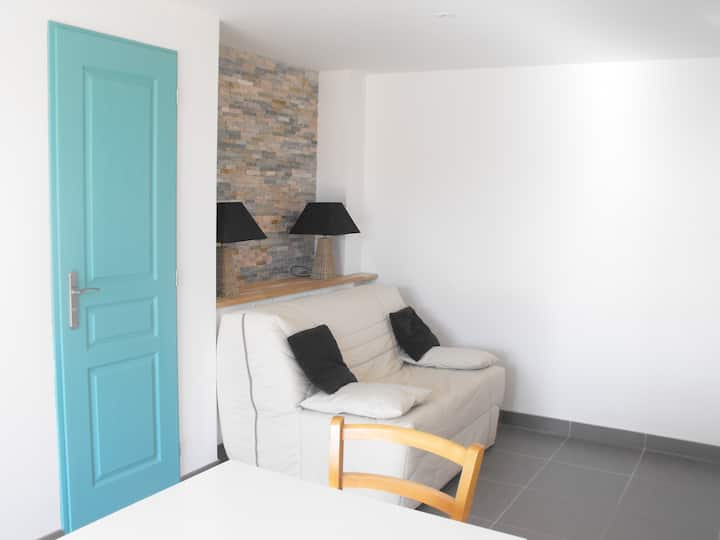 Studio in a peace and quiet place near city center