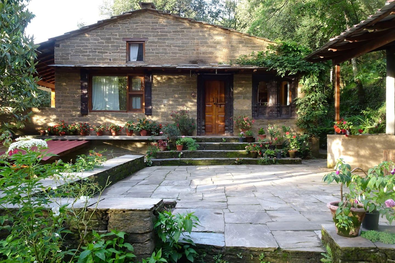 Chowkhamba the cottage