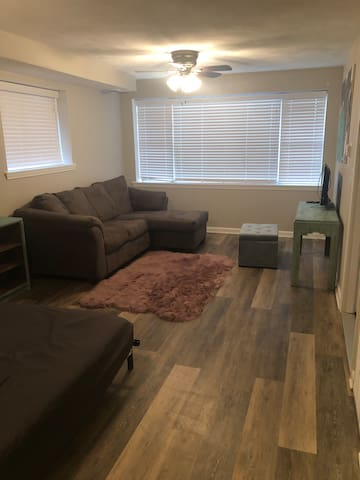 Luxury apartment near Bradley