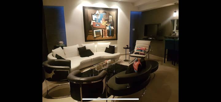 Serviced apartment / town house