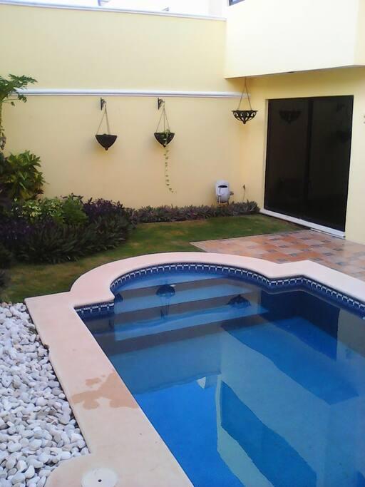 Inmejorable habitacion privada en montebello casas en alquiler en m rida yucat n m xico - Habitacion piscina climatizada privada ...