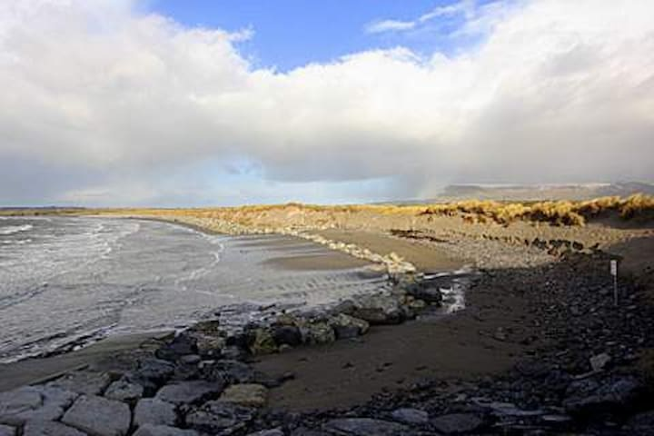 Rosses Point  35 mins drive