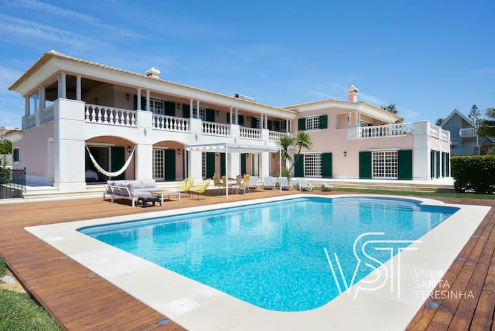 Luxury Holiday Villa with heated swimming pool