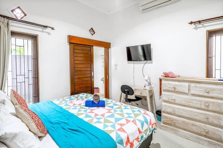 Room for Rent-Shared Villa 4km to Melasti Uluwatu