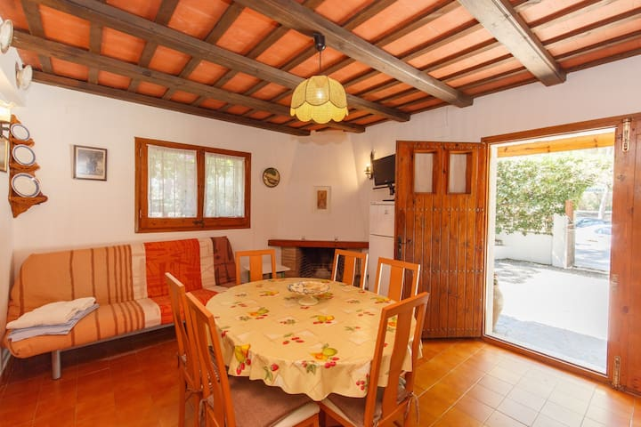Bungalow with pool access - 300 m Pals beach (CAL BAIX 2H 622)