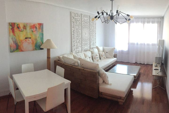 Amazing and comfy apartment - BEC & Bilbao - WiFi
