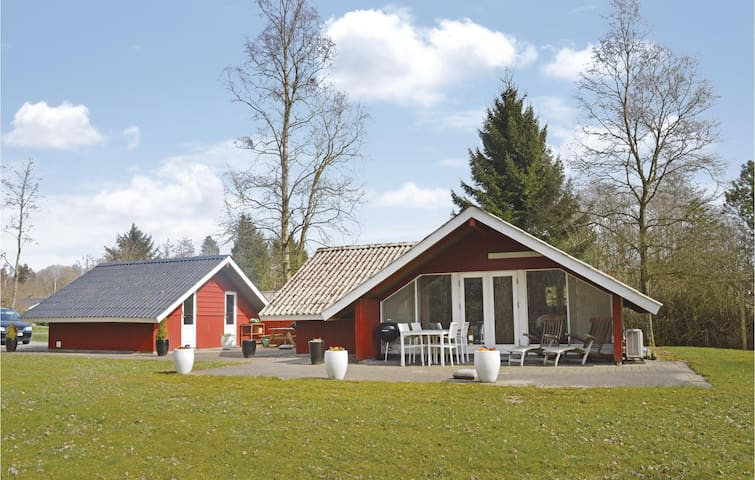 Holiday cottage with 2 bedrooms on 62m² in Toftlund